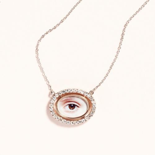 Bettina von Zwehl, Eye Portrait (Ruby), 2013. Necklace in collaboration with Laura Lee Jewellery. © Bettina von Zwehl.